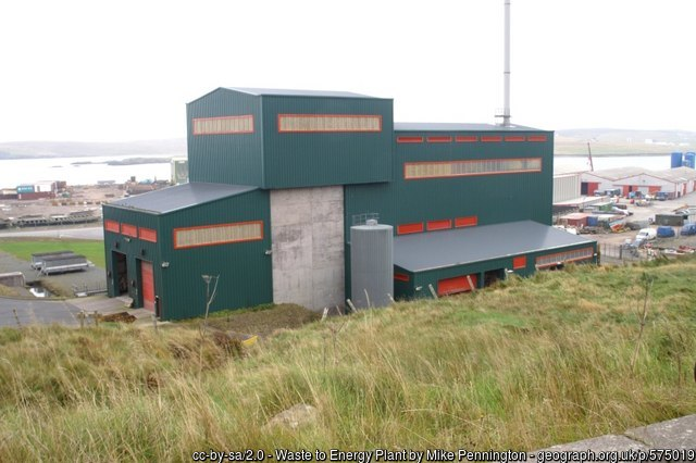 The Energy Recovery Plant (Courtesy and Copyright Mike Pennington, Creative Commons Licence)