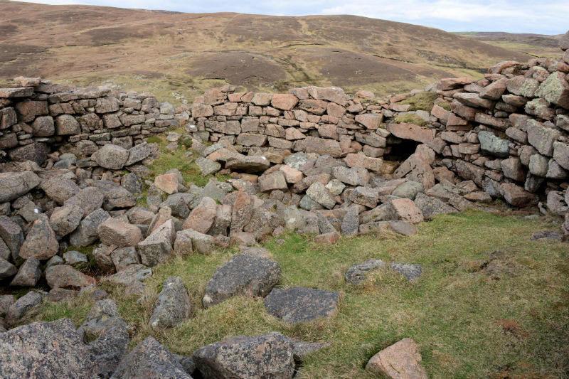 The collapsed interior of Culswick Broch (Courtesy Alastair Hamilton)